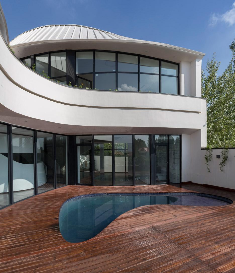 villa-for-younger-brother-tehran-iran-alireza-tahgaboni-trapezoidal-urban-context-architecture-residential-_dezeen_936_17