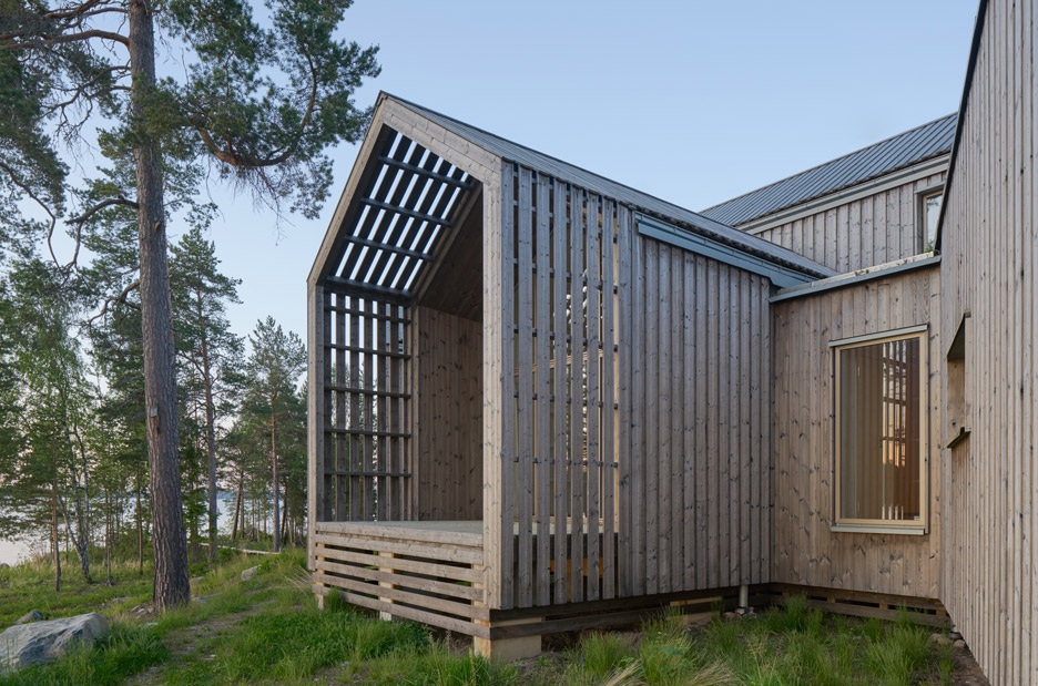 Murman Arkitekter completes a Swedish villa that fans out in all directions
