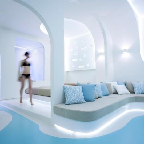 KLab creates smoothly curved interior for Santorini hotel
