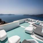 KLab creates smootly curved interior for Santorini hotel