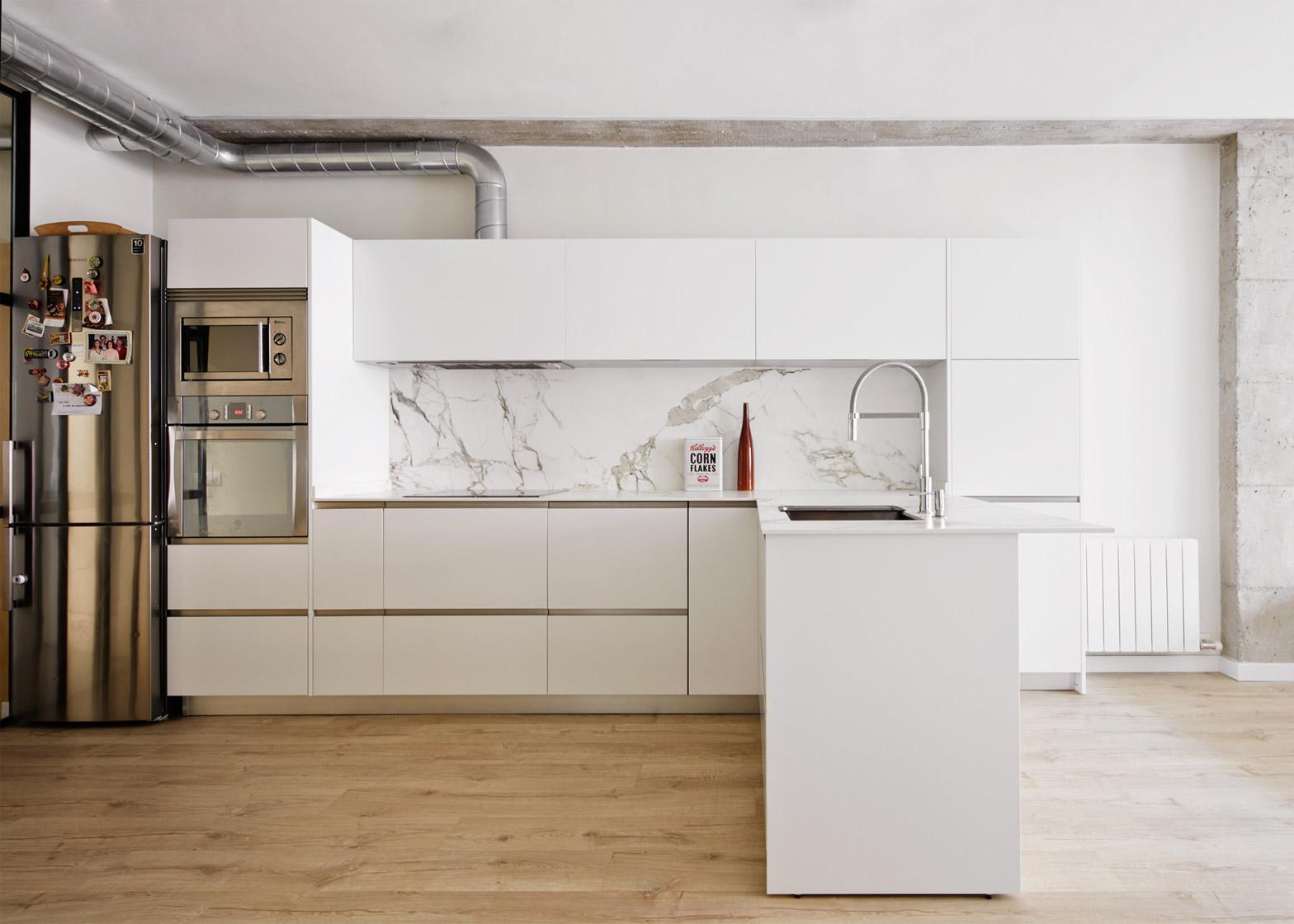 Corsega Apartment by RAS Arquitectura