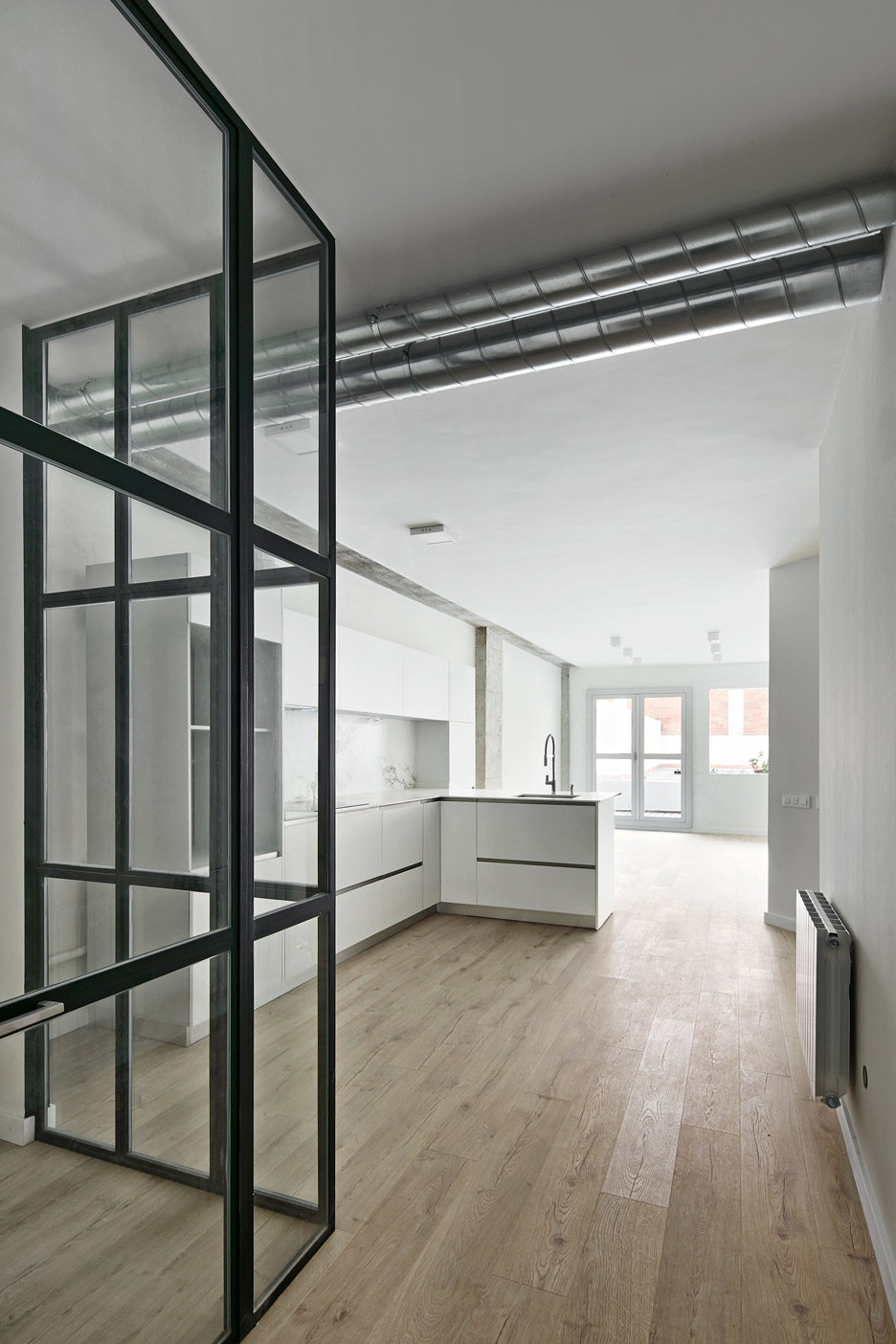 Corsega Apartment by RAS Arquitectura