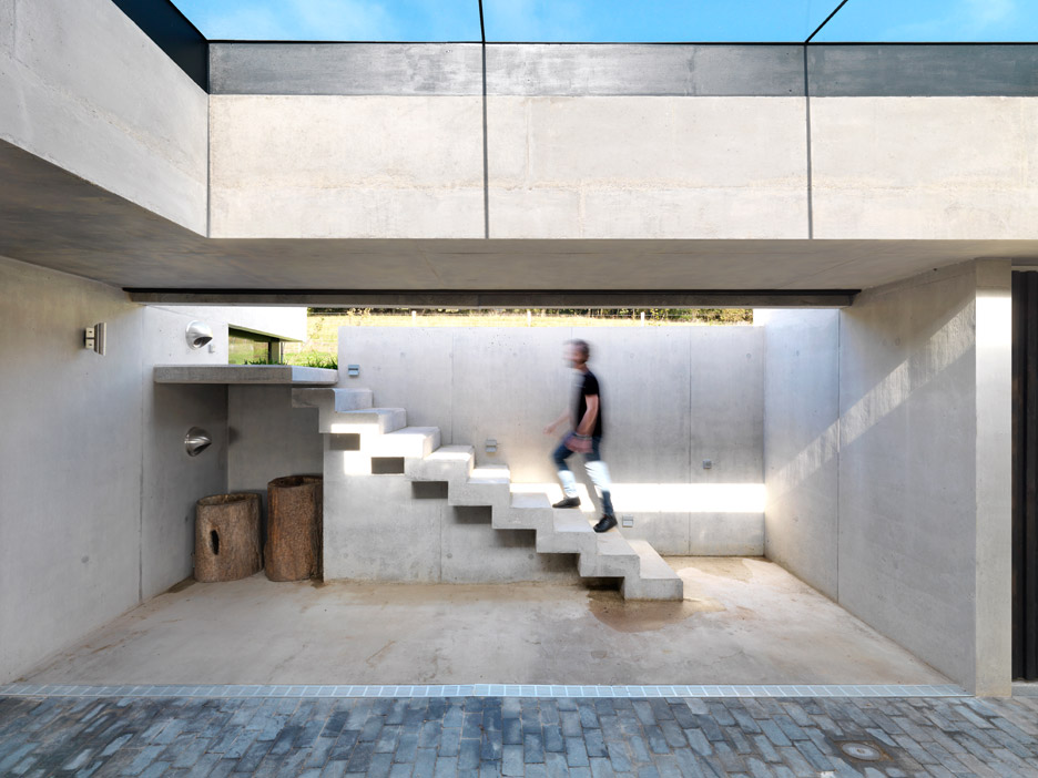 Outhouse by Loyn & Co Architects