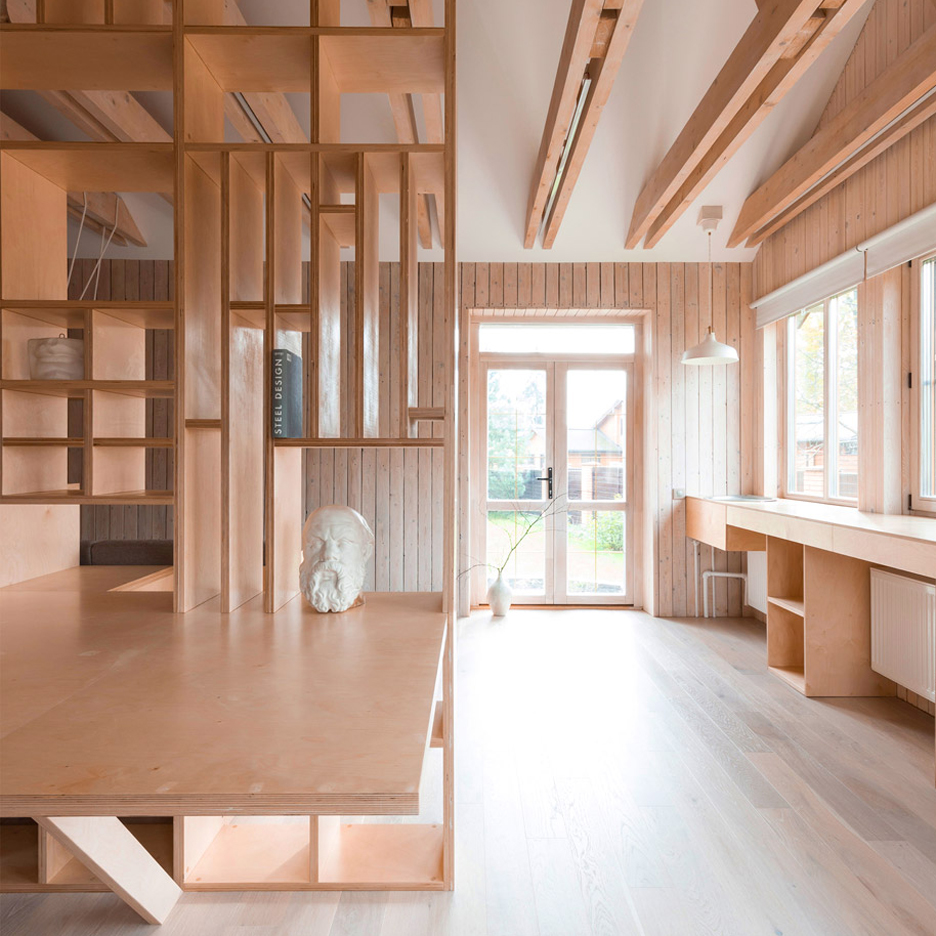 Ruetemple_Workroom-Architects_Moscow_dezeen_sqa