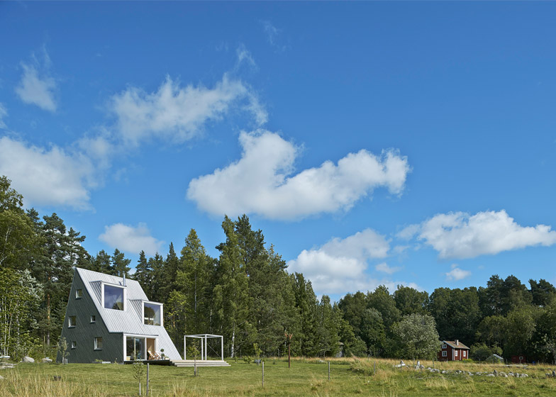 Qvarsebo Summerhouse, Sweden, by Leo Qvarsebo