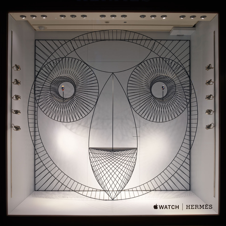 Shop window installation designed by Gamfratesi for Apple Watch Hermès