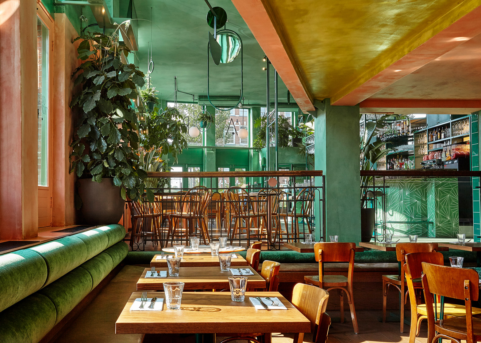 studio modijefsky fill an amsterdam bar with rainforest foliage