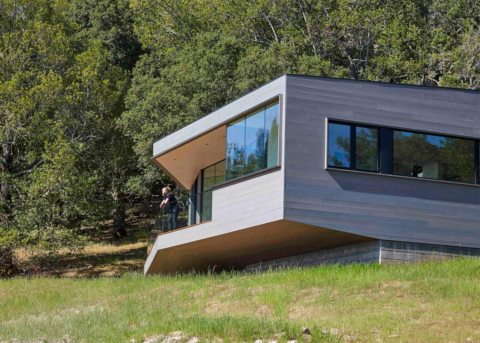 Box on a Rock by Schwartz & Architecture