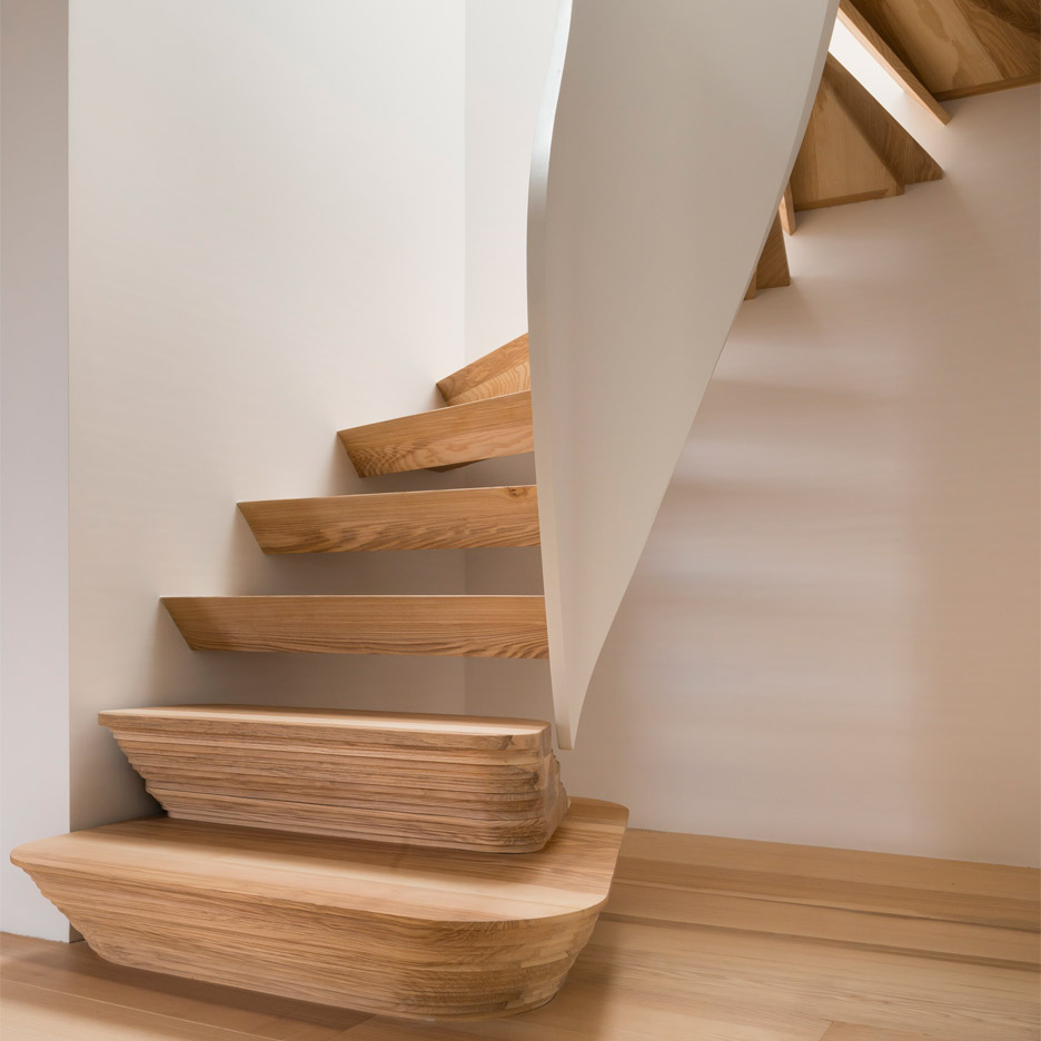 casa-vota-51-architecture-house-london-uk-staircase_dezeen_936c_1