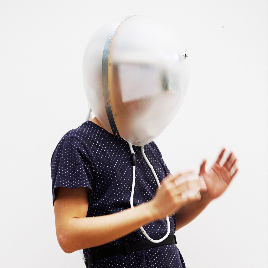 Di Peng recreates dementia experience with sense-distorting helmet