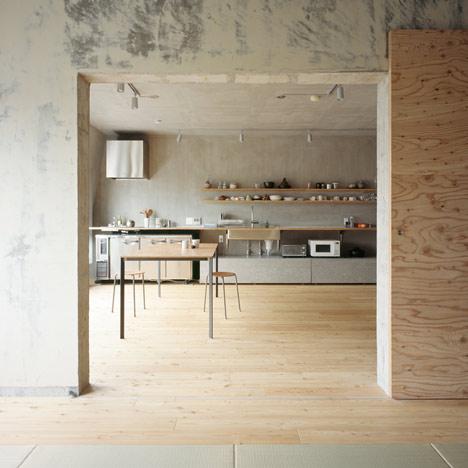 dezeen_Setagaya-Flat-by-Naruse-Inokuma-Architects_05
