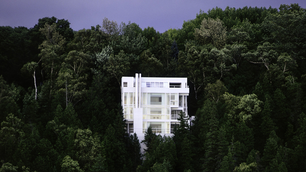 richard meiers douglas house Photos and architectural drawings | see more ideas about douglas house, richard meier and architects.