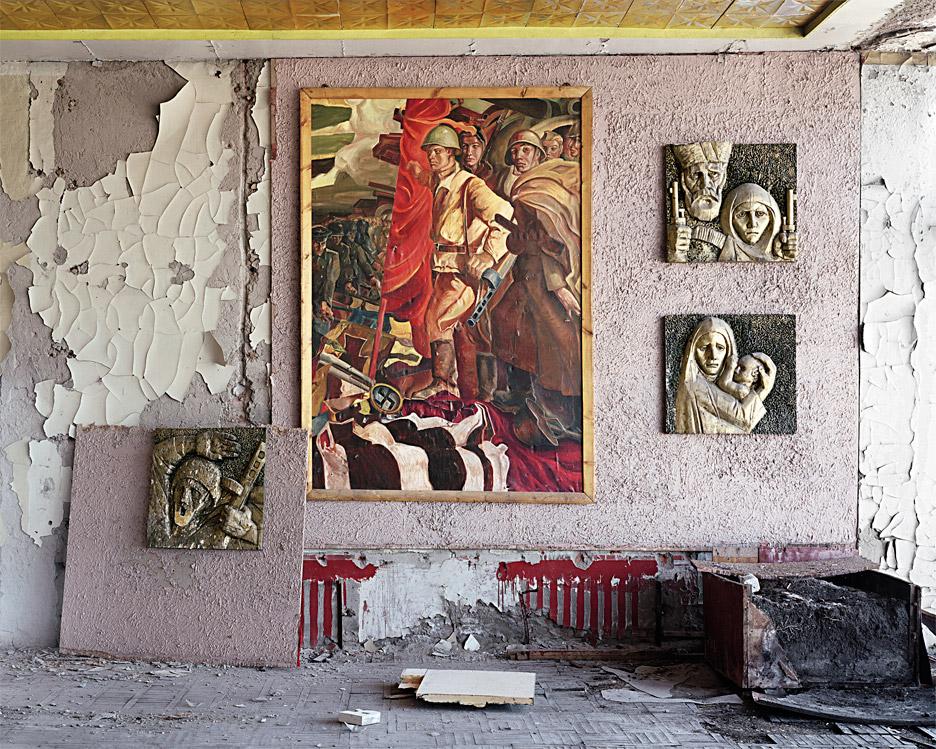 eric-lusito-dead-space-ruins-calvert-22-foundation-power-architecture-art-soviet-union-london_dezeen_936_0