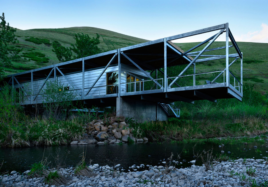 flood-plain-house-paul-hirzel_dezeen_936_8