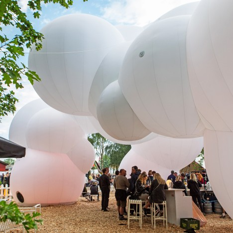 "BIG creates ""bubble-like cloud pavilion"" at Roskilde Festival 2016"