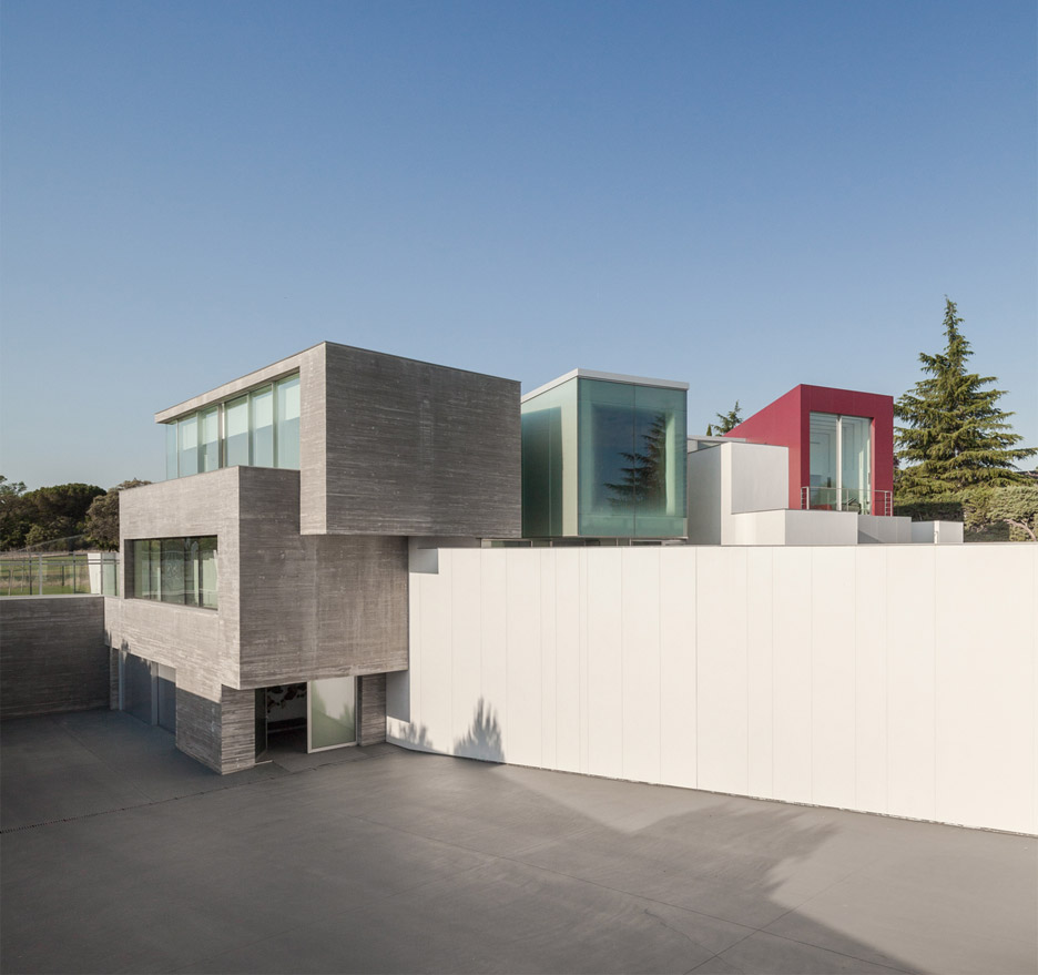 house-h-abiboo-architecture-villa-madrid-spain_dezeen_936_7