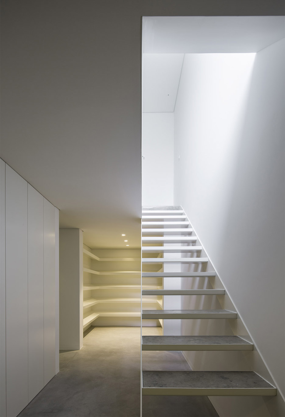 house-in-bonfim-by-azo-sequeira-arquitectos-porto-portugal-_dezeen_936_0