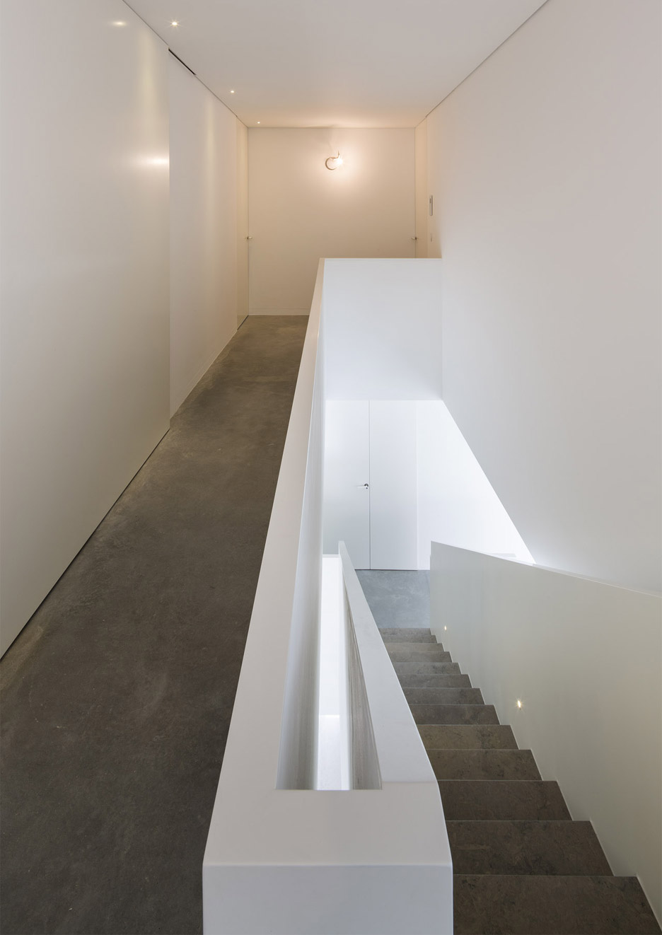 house-in-bonfim-by-azo-sequeira-arquitectos-porto-portugal-_dezeen_936_13