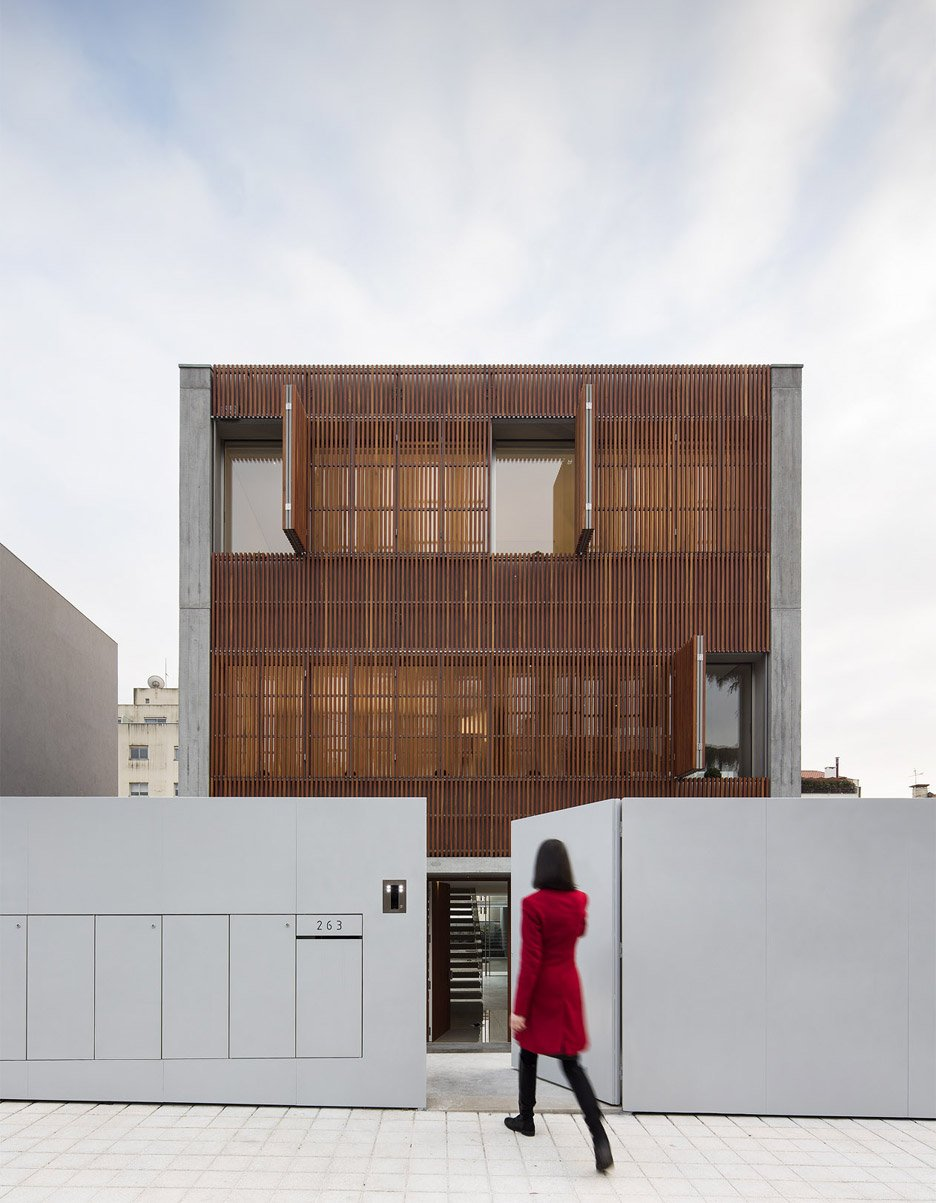 house-in-bonfim-by-azo-sequeira-arquitectos-porto-portugal-_dezeen_936_5