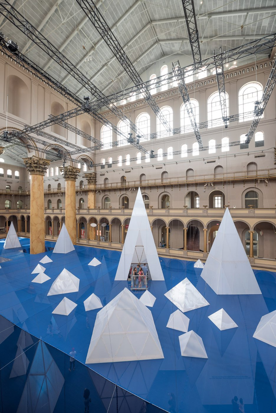 icebergs-installation-james-corner-tim-schenck-washington-dc-dezeen_dezeen_936_11