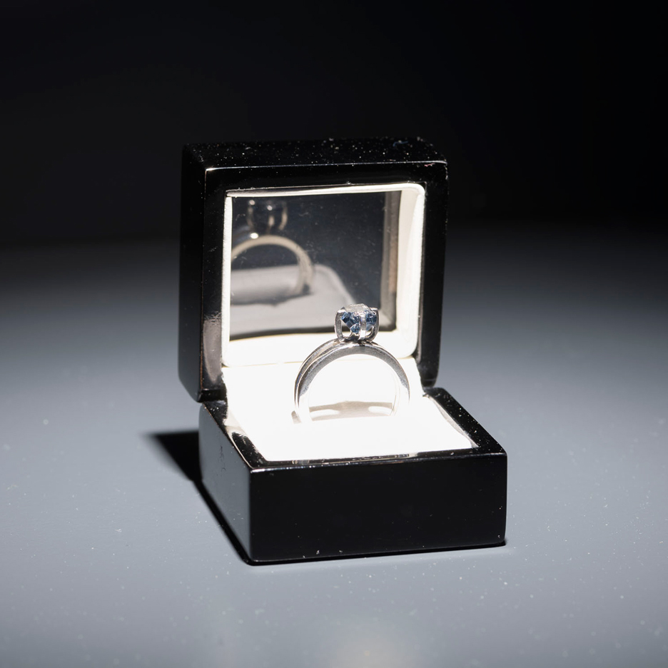 Artist turns Luis Barragán's remains into diamond to trade for his archive
