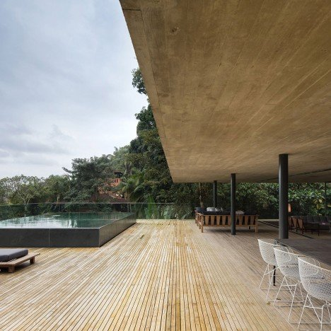jungle-house-mk27-brazil-rainforest-fernando-guerra-extra_dezeen_1568_11