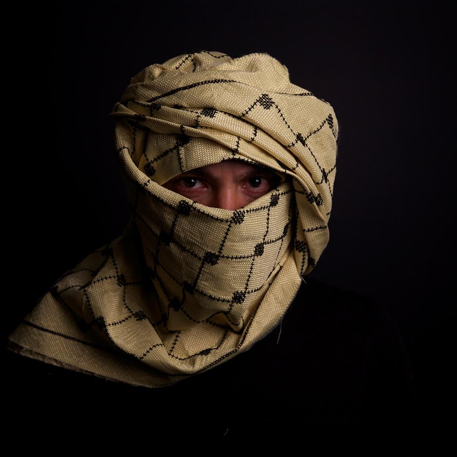 K29 Keffiyeh bulletproof headscarf by Salim Al-Kadi