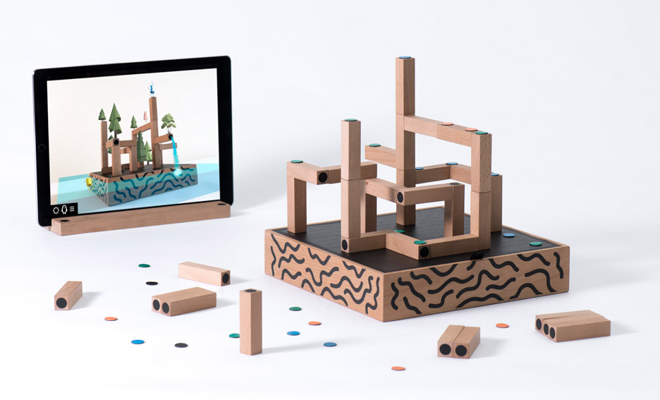 koski-board-game_vaclav-mlynar_royal-college-of-art-graduate_dezeen_936_3