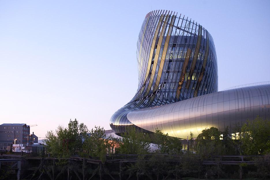 la-cité-du-vin-xtu-architecture-wine-museum-_dezeen_936_137