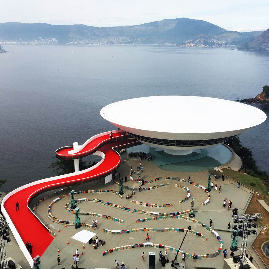Es Devlin creates meandering Louis Vuitton catwalk around Oscar Niemeyer museum
