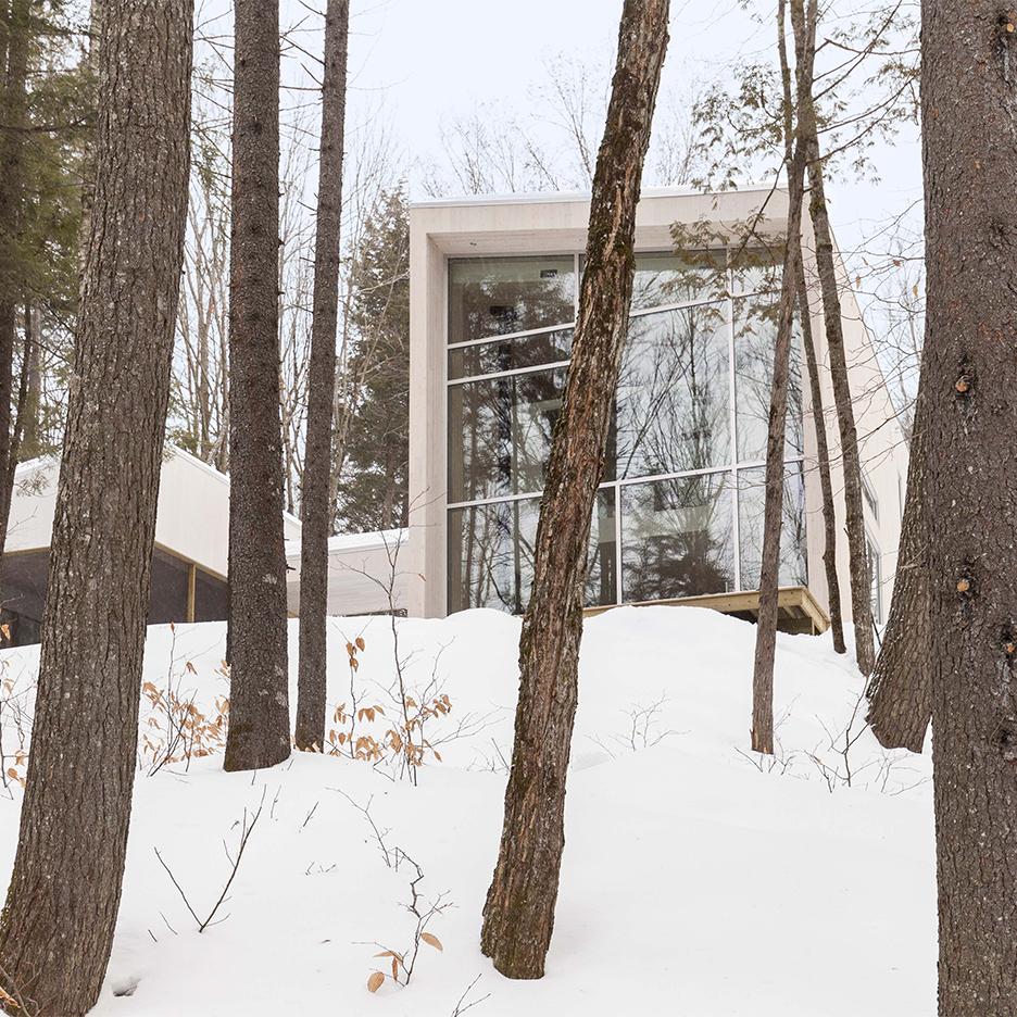 Pierre Thibault creates compact and light-filled house in a Quebec forest