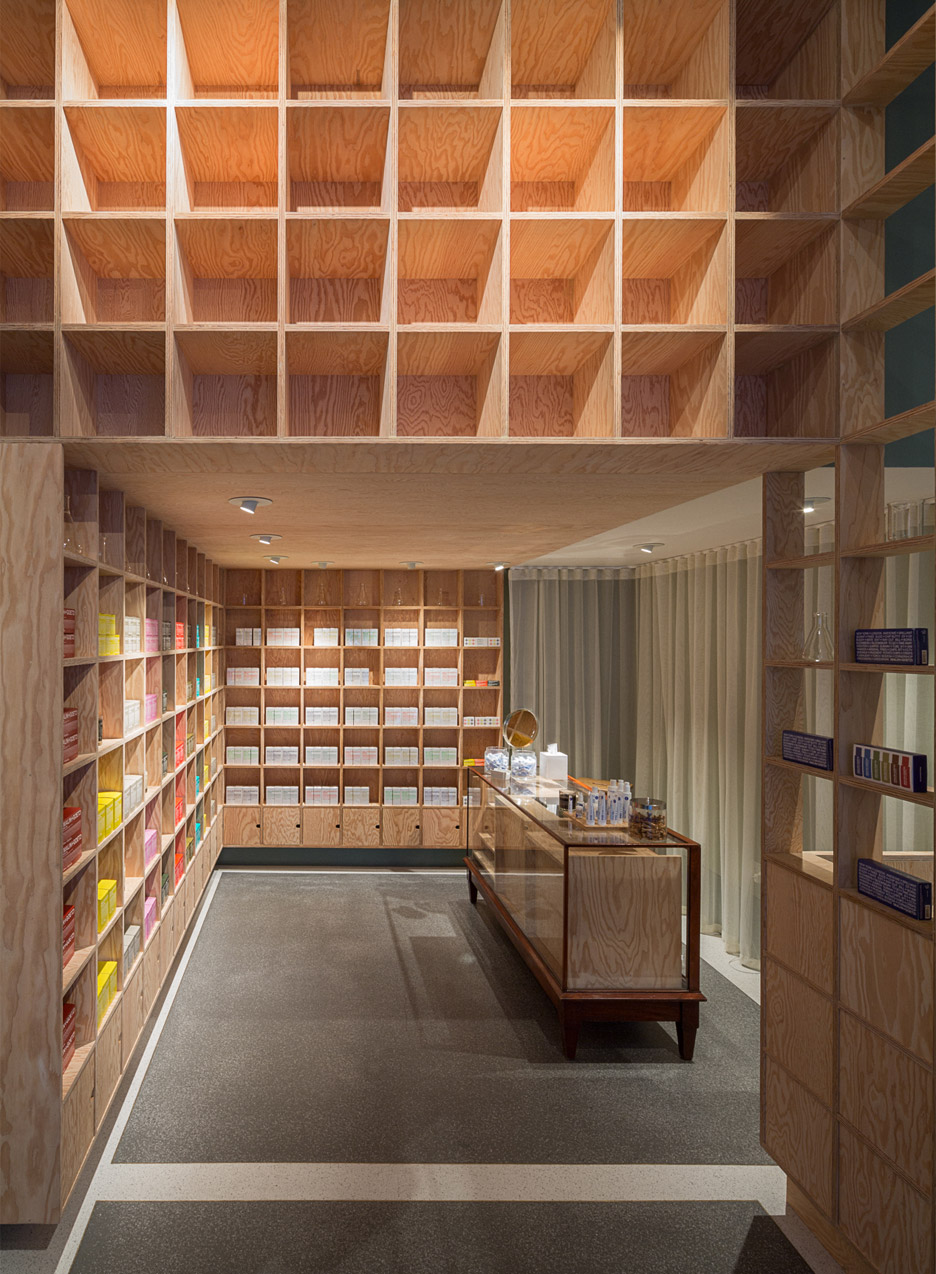 malin+goetz-apothecary-shops-jonathan-tuckey-interior-london_dezeen_936_5