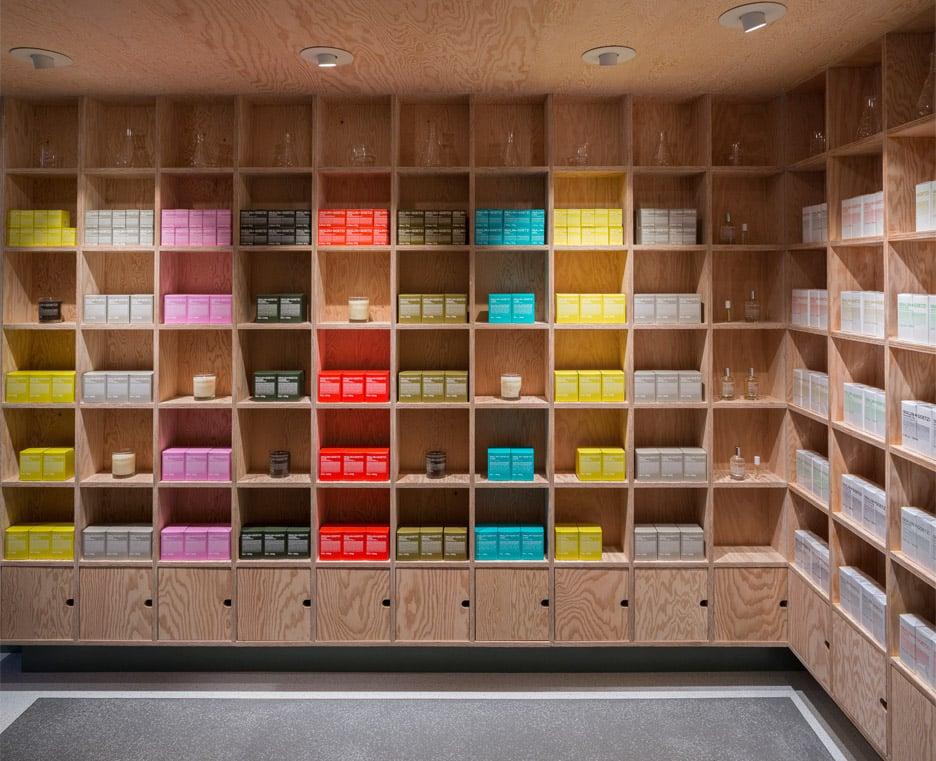 malin+goetz-apothecary-shops-jonathan-tuckey-interior-london_dezeen_936_7
