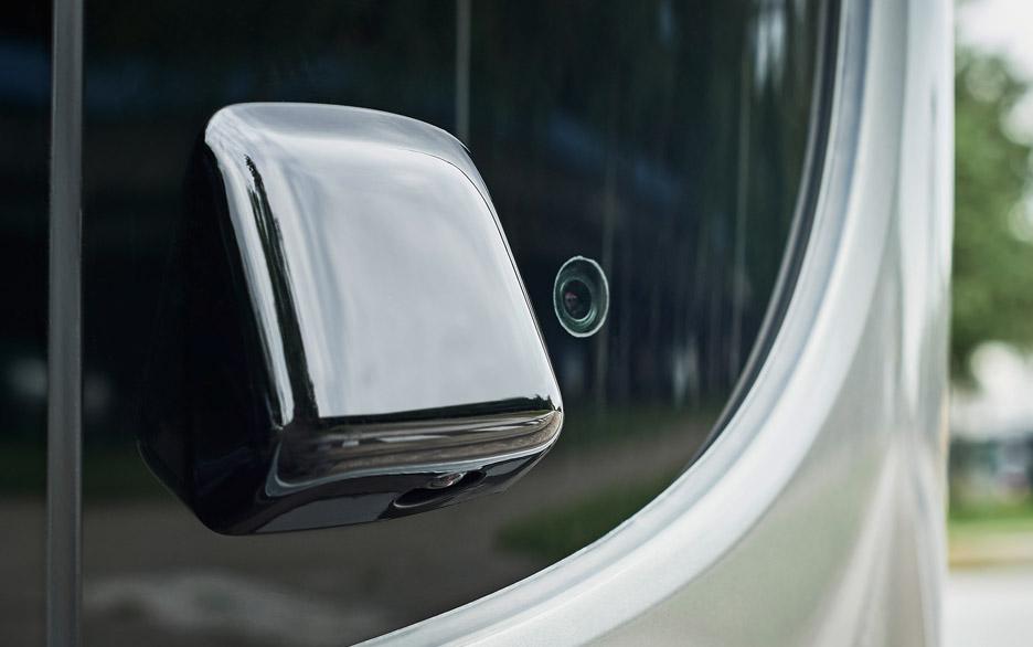 Mercedes-Benz Future Bus by Daimler