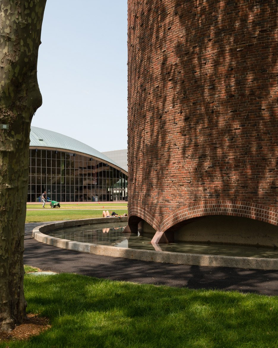 mit-chapel-eero-saarinen-photography-jim-stephenson_dezeen_936_2