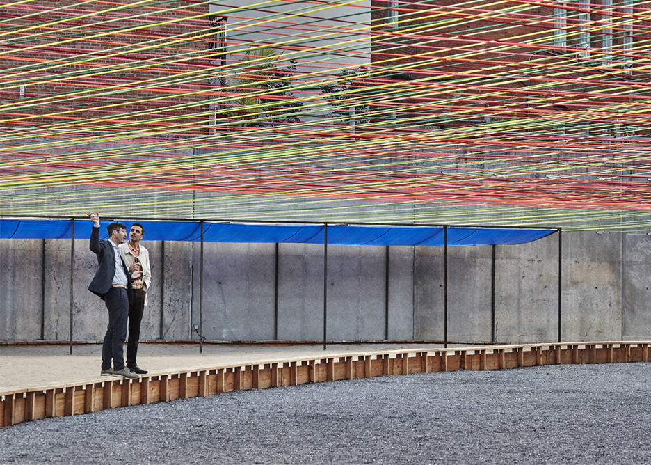 moma-ps1-weaving-courtyard-escobedo-soliz_dezeen_936_3