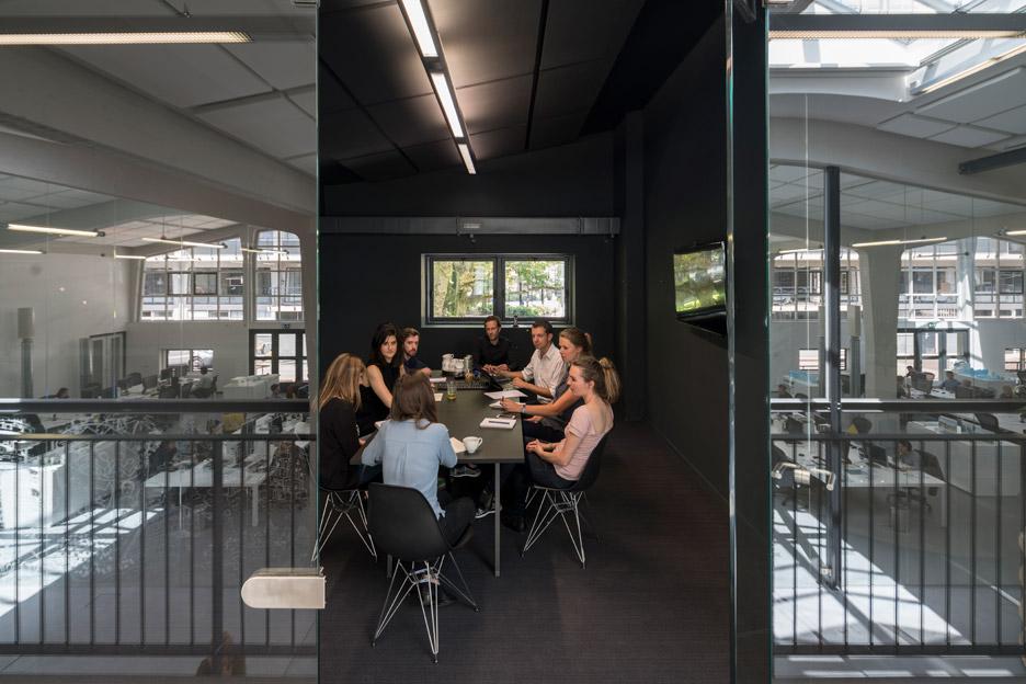 mvrdv-office-architecture-interior-self-designed-studio-rotterdam-domestic-spaces-colour-_dezeen_936_1