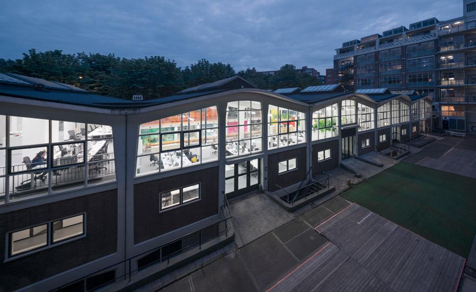mvrdv-office-architecture-interior-self-designed-studio-rotterdam-domestic-spaces-colour-_dezeen_936_10