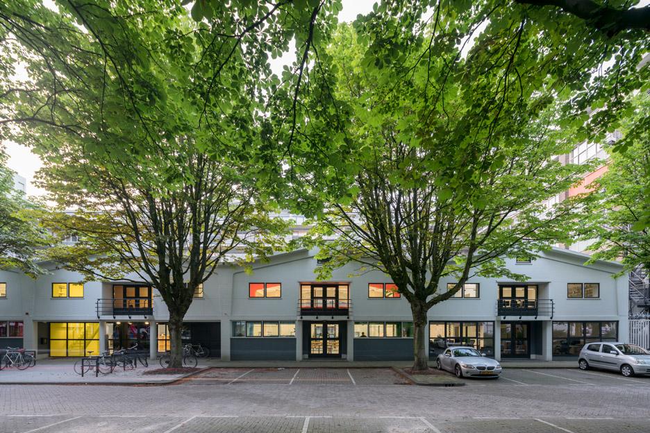 mvrdv-office-architecture-interior-self-designed-studio-rotterdam-domestic-spaces-colour-_dezeen_936_7