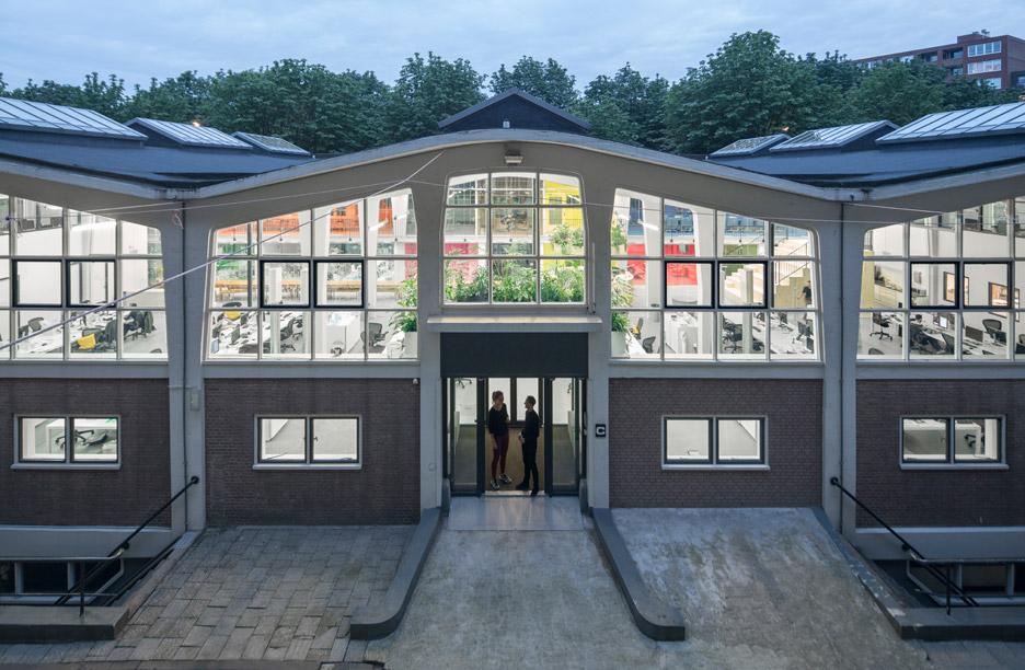 mvrdv-office-architecture-interior-self-designed-studio-rotterdam-domestic-spaces-colour-_dezeen_936_9