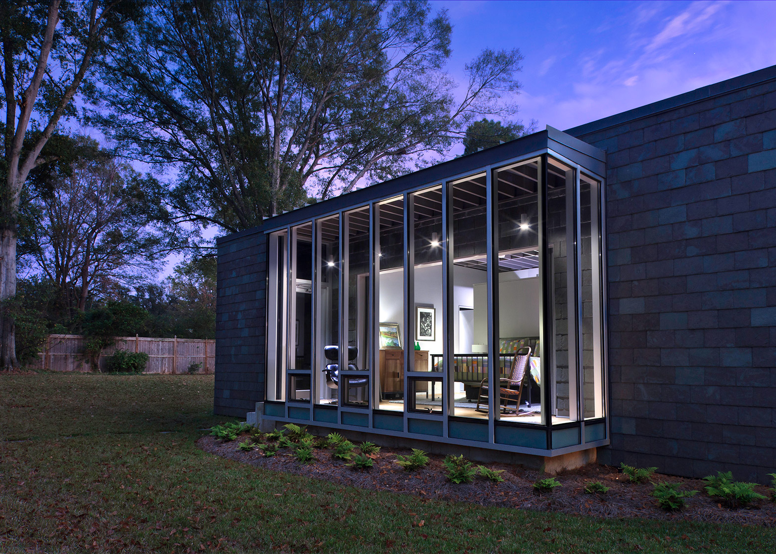 Oak Ridge House by Duvall Decker Architects