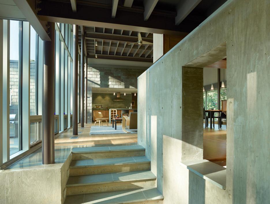Oak Ridge House by Duvall Decker Architects