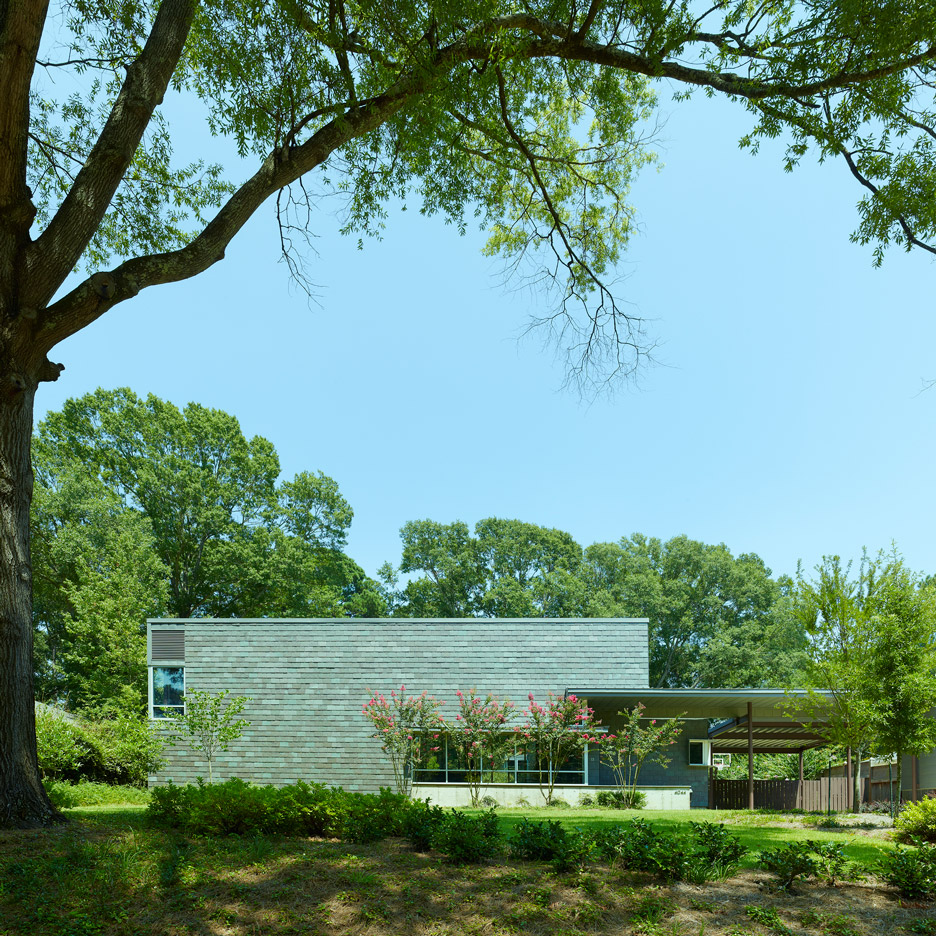 oak-ridge-house-timothy-hursley_dezeen_936_square-featured