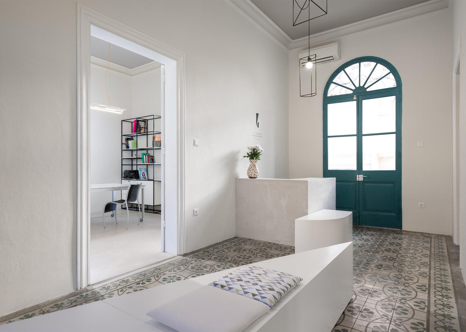 dARCHstudio designs plastic surgery practice in Greece