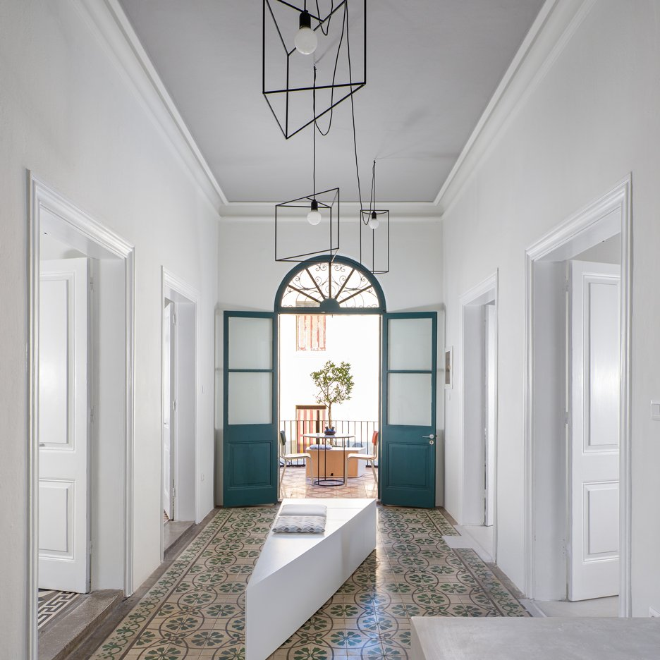 DArch creates plastic surgery clinic inside heritage-listed building on a Greek island