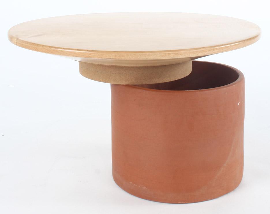 sarma-stool-sebiha-macit-graduate-project-2016-furniture-design-futuristic-rubber-_dezeen_936_1