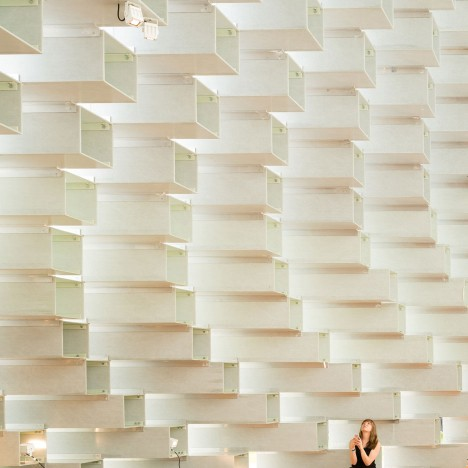 "Plastic panels installed to tackle ""power shower"" effect in BIG's Serpentine Gallery Pavilion"
