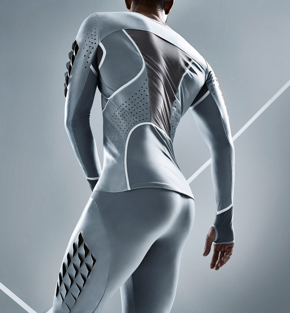 Skynfeel long-jump suit by Pauline van Dongen