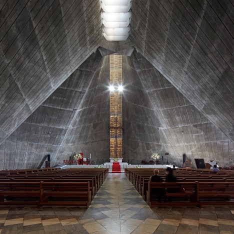 "Edmund Sumner photographs Kenzo Tange's ""brutal classic"" St Mary's Cathedral"