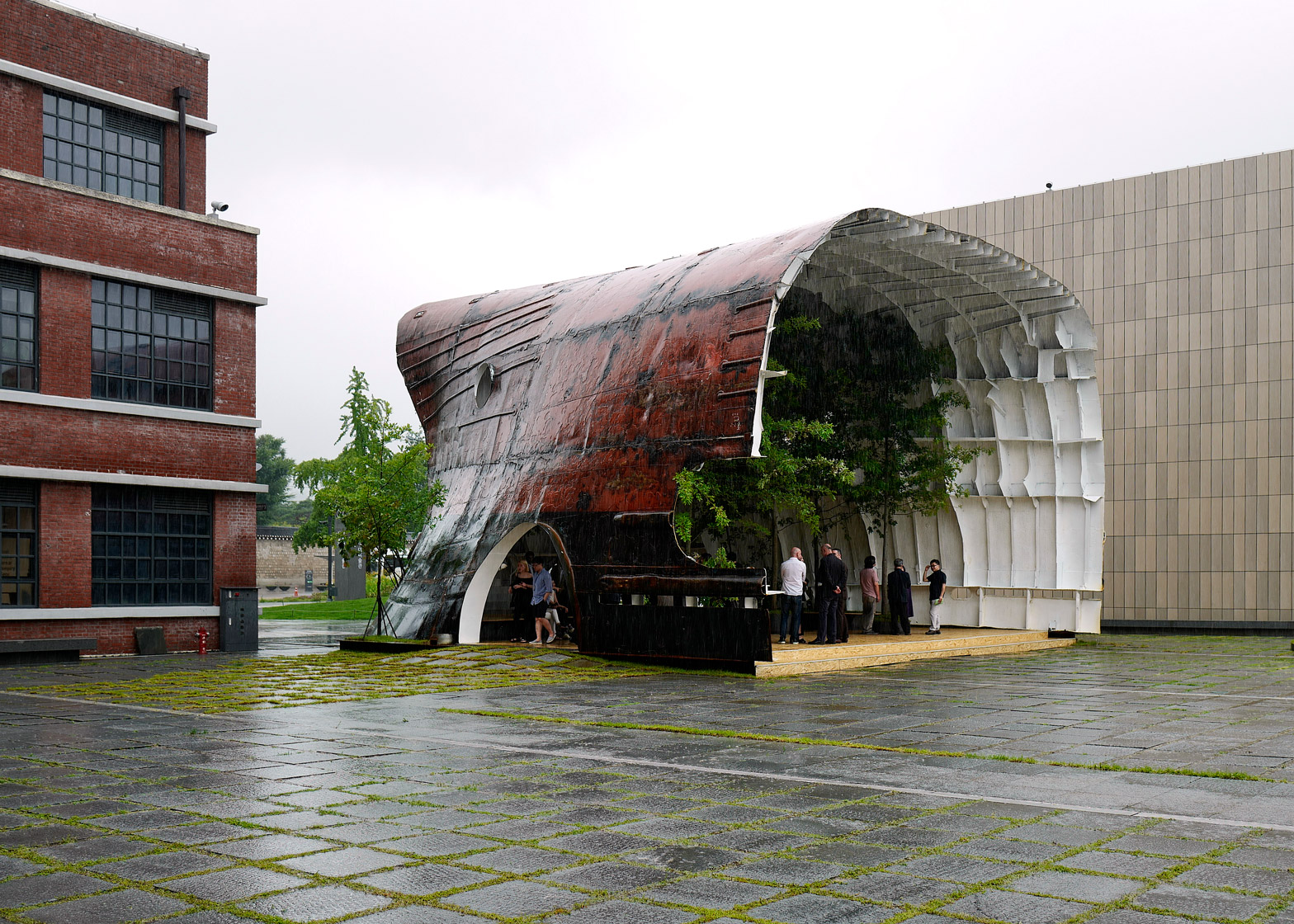Temp'L by Shinslab Architecture is an installation recycled from a rusty old cargo ship for a museum courtyard in Seoul
